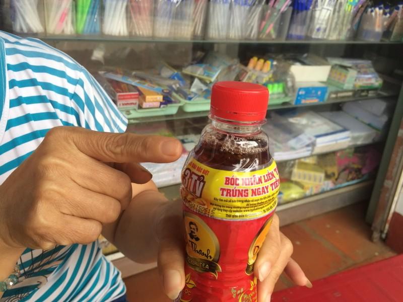 Đắk Lắk: Phát hiện chai trà Dr. Thanh có dị vật lạ - ảnh 1