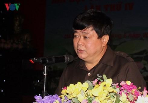 """bo chinh tri khong he phan tan nhu thong tin bia dat o ben ngoai"" hinh 0"