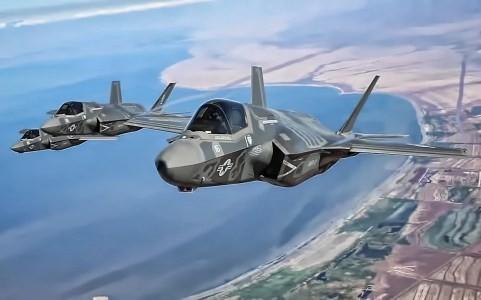 Hai chiếc siếu chiến đấu cơ tàng hình F-35. Ảnh Không quân Mỹ