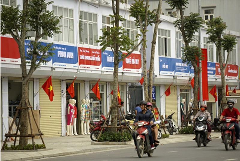 Quận Thanh Xuân nói gì về biển hiệu 'đồng phục xanh đỏ' ở phố kiểu mẫu? - ảnh 2