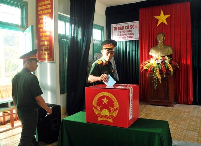 Bầu cử sớm 3 ngày ở xã đảo Thổ Châu - ảnh 2