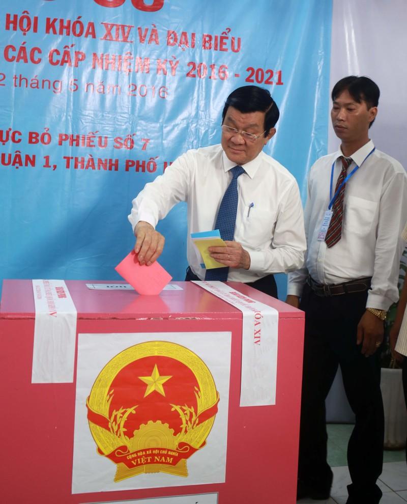 Ông Trương Tấn Sang, ông Nguyễn Tấn Dũng đi bầu cử ở TP.HCM - ảnh 2