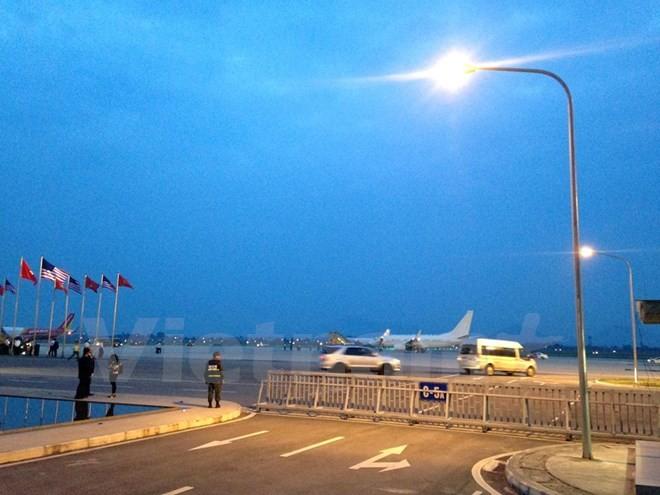 Chuyên cơ chở Tổng thống Obama đã đáp xuống sân bay Nội Bài - ảnh 14