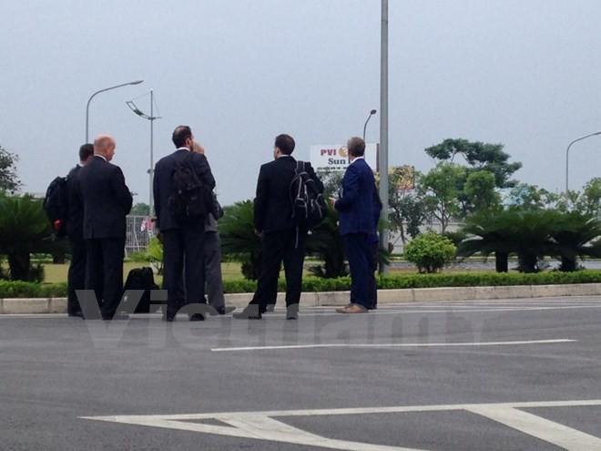 Chuyên cơ chở Tổng thống Obama đã đáp xuống sân bay Nội Bài - ảnh 15