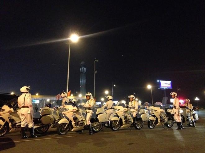 Chuyên cơ chở Tổng thống Obama đã đáp xuống sân bay Nội Bài - ảnh 16