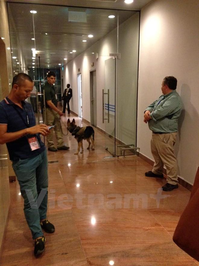 Chuyên cơ chở Tổng thống Obama đã đáp xuống sân bay Nội Bài - ảnh 10