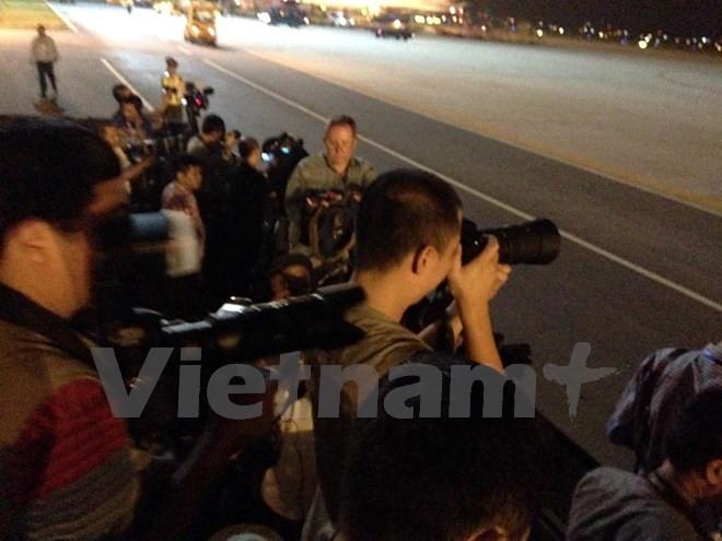 Chuyên cơ chở Tổng thống Obama đã đáp xuống sân bay Nội Bài - ảnh 8
