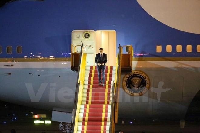 Chuyên cơ chở Tổng thống Obama đã đáp xuống sân bay Nội Bài - ảnh 3