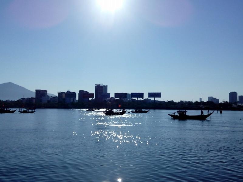 Sáng nay, khẩn cấp tìm kiếm 3 nạn nhân mất tích trong vụ chìm tàu du lịch - ảnh 8