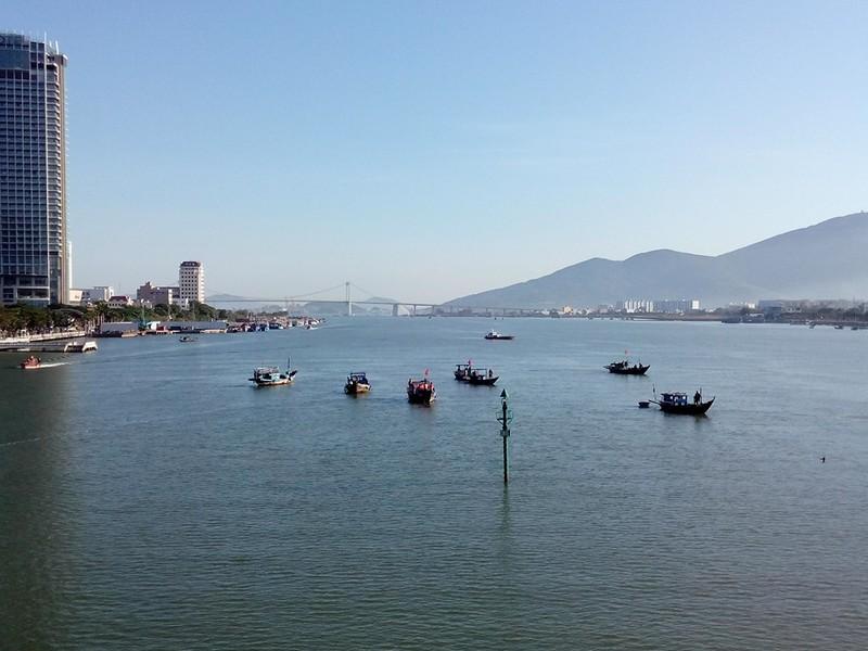 Sáng nay, khẩn cấp tìm kiếm 3 nạn nhân mất tích trong vụ chìm tàu du lịch - ảnh 10
