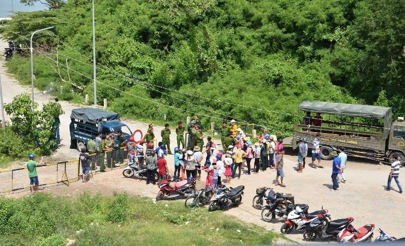 Ngư dân bắt giữ cán bộ trên biển Kiên Giang
