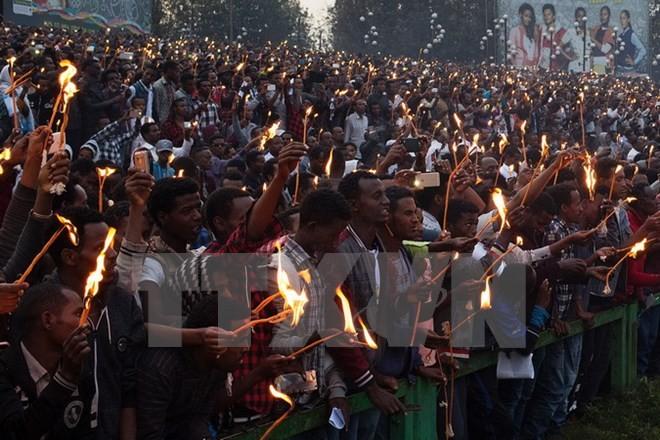 Hỗn loạn tại lễ hội, ít nhất 50 người thiệt mạng - ảnh 1