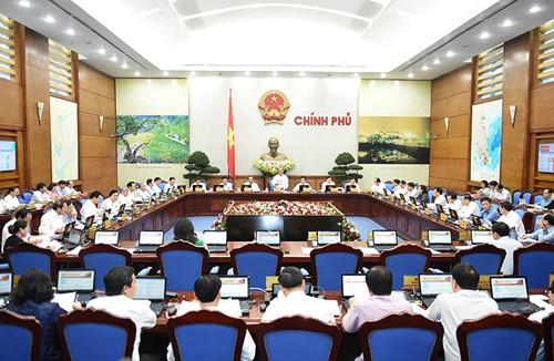 Đang họp báo chính phủ thường kỳ tháng 10 - ảnh 1