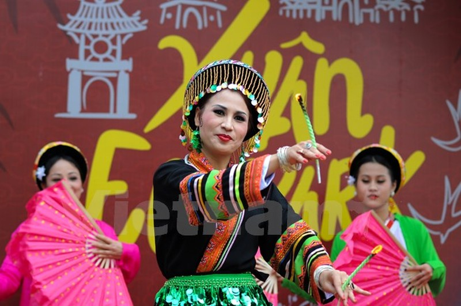 Thích thú với lễ hội hoa xuân lớn nhất miền Bắc - ảnh 15
