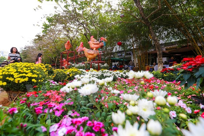 Thích thú với lễ hội hoa xuân lớn nhất miền Bắc - ảnh 2