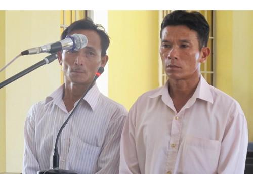 Diễn biến mới vụ phạt tù 2 người thân của HS bị công an đánh chết - ảnh 1