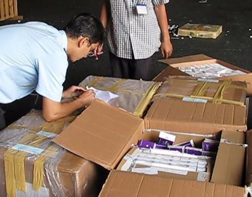 Lô tân dược hơn 2,7 tỉ đồng bị bắt giữ tại cửa khẩu Tân Sơn Nhất - ảnh 1