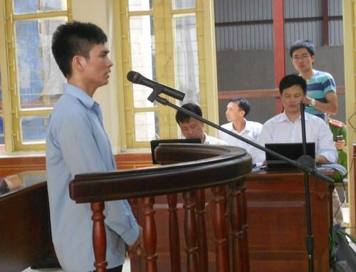 Vụ ông Chấn: VKS đề nghị phạt bị cáo Chung 12 năm tù - ảnh 1