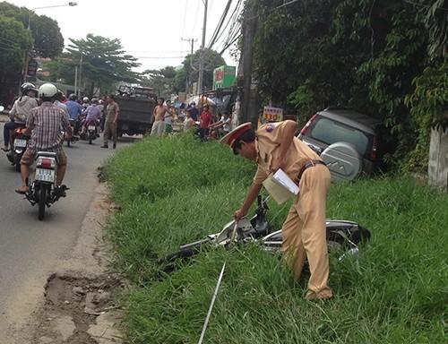 Một phụ nữ mang bầu bị ô tô tông trọng thương - ảnh 1