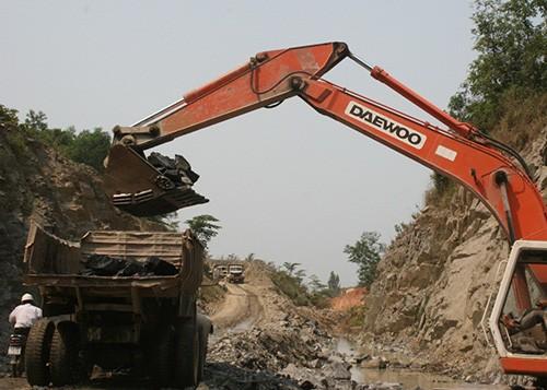 Đà Nẵng 'trảm' một loạt mỏ khoáng sản - ảnh 1
