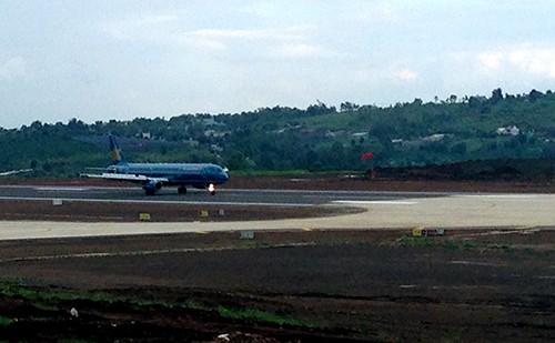 Sân bay Pleiku hoạt động trở lại - ảnh 1