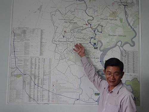 Phố Sài Gòn ngập đến yên xe, báo cáo nói 'ngập sâu nhất 50cm' - ảnh 1
