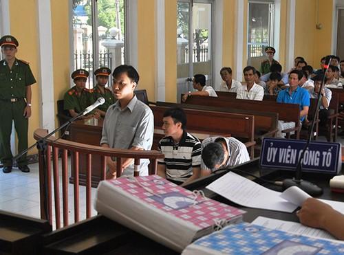 Vắng bị hại, tòa hoãn xử vụ dùng nhục hình ở Sóc Trăng - ảnh 1