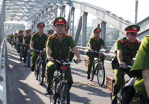 Cảnh sát khu vực Huế sẽ tuần tra bằng xe đạp - ảnh 2