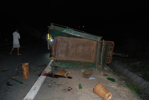 Gia Lai: 14 người trên xe công nông bị tông thương vong - ảnh 1