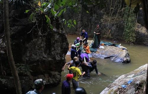 Ba du khách Anh tử nạn ở thác Datanla do chấn thương sọ não - ảnh 1