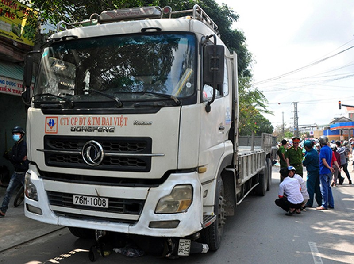 Tài xế xe tải bị tước bằng lái tông chết hai mẹ con - ảnh 1