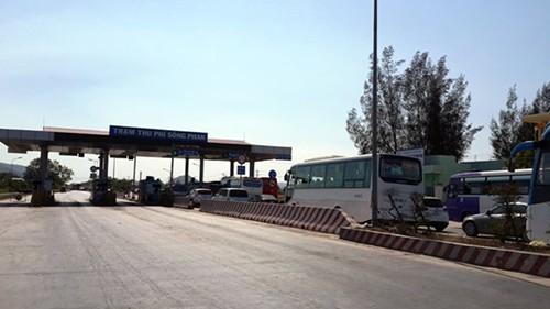 Trưa nay tạm dừng thu phí Trạm Sông Phan trên QL1 - ảnh 1