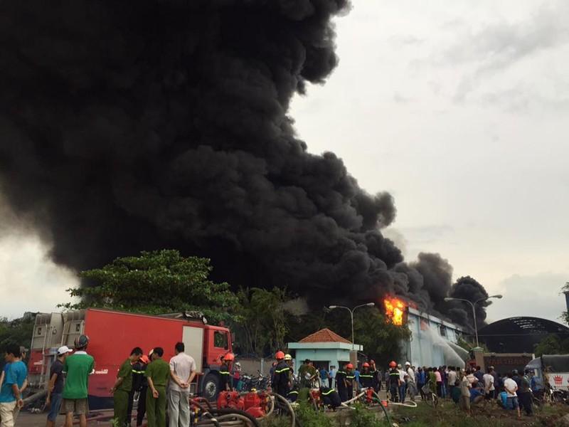 Cháy lớn tại Công ty Nệm Vạn Thành - ảnh 3
