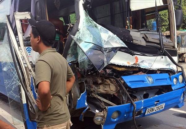 Gặp tài xế xe tải dìu ô tô khách mất phanh khi đổ đèo - ảnh 2