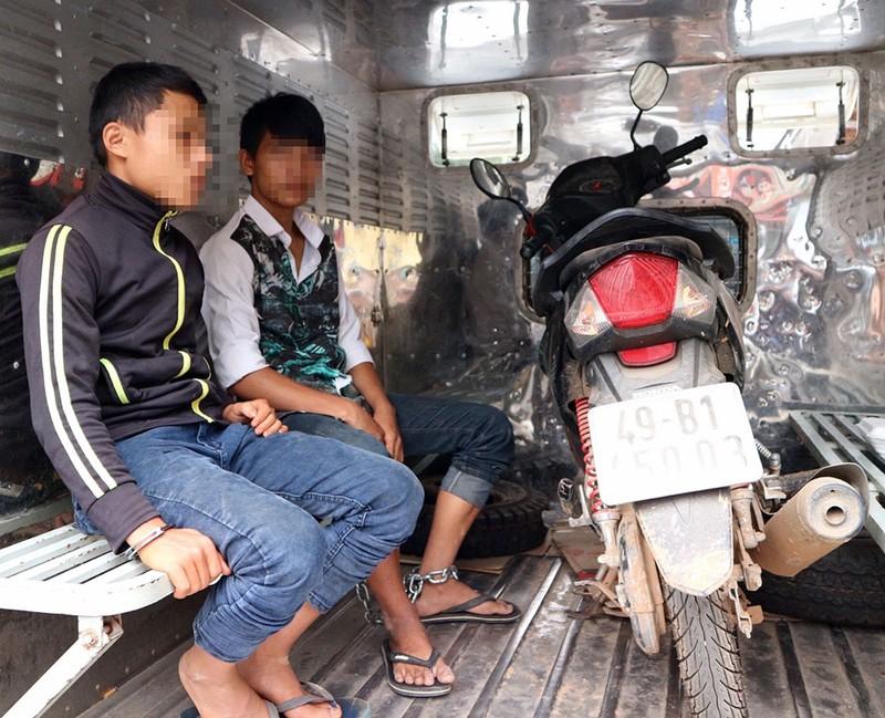 Băng nhóm nhí cướp xe trong công viên ở Đà Lạt - ảnh 2