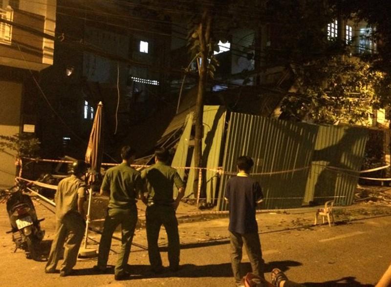 Kinh hãi 2 căn nhà cao tầng ở TP HCM đổ sập - ảnh 2