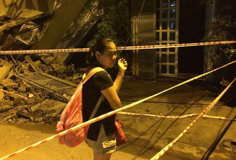 Kinh hãi 2 căn nhà cao tầng ở TP HCM đổ sập - ảnh 4