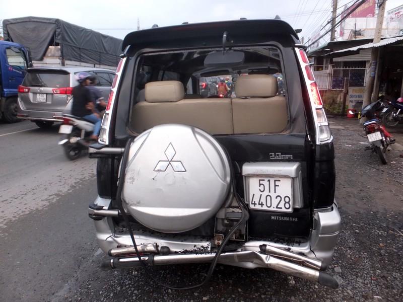 4 ô tô tông liên hoàn ở Tiền Giang - ảnh 2
