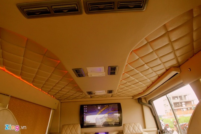 Thợ Việt chế limousine 300 triệu điều khiển bằng iPad