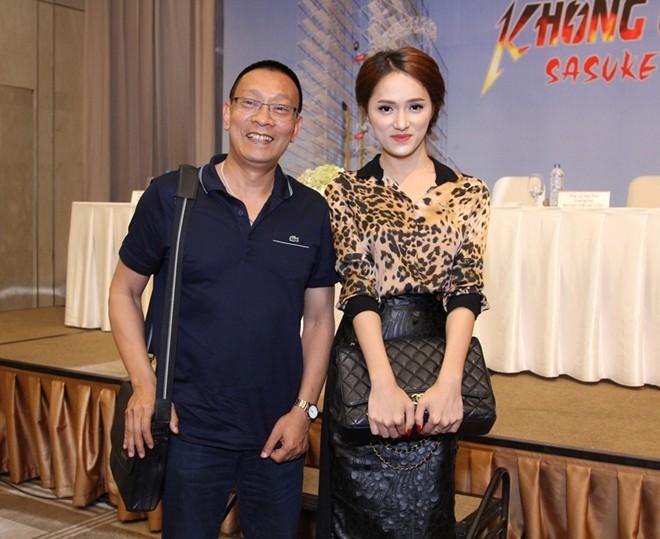 MC Lại Văn Sâm trêu Hương Giang Idol nên thi nhảy dây