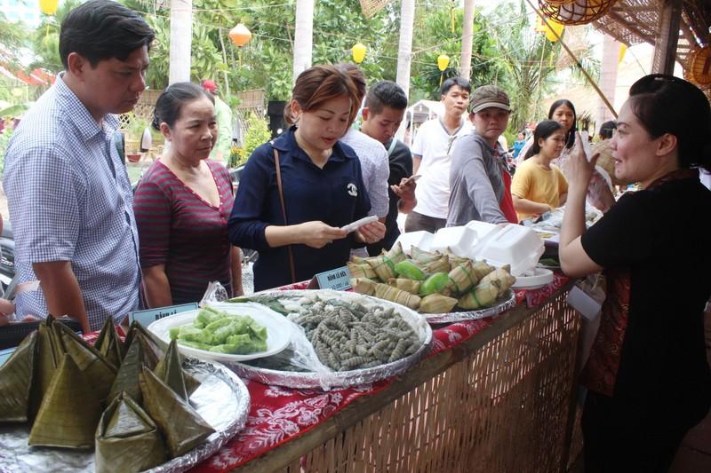 Về miền Tây thưởng thức hàng trăm loại bánh dân gian và món ăn đặc sản  - ảnh 6