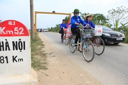 SV Thu do dap xe vuot 100 km ve Gio to Hung Vuong