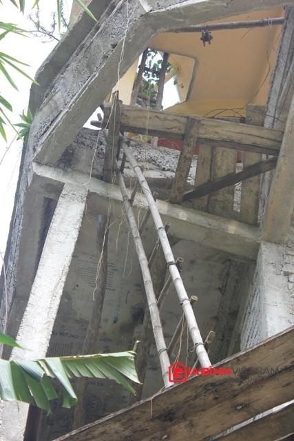 Mấy năm gần đây, do bị bệnh nên ông Cường bỏ dở ngôi nhà đang xây...