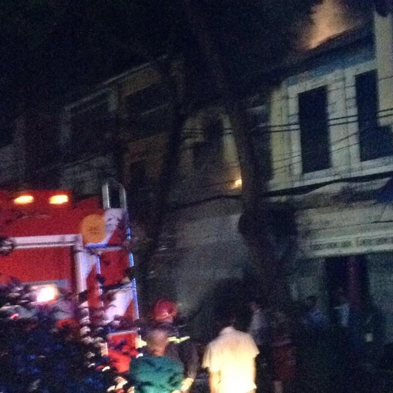 Bé gái 2 tuổi tử vong trong vụ cháy lớn ở cửa hàng điện tử quận 1 - ảnh 3