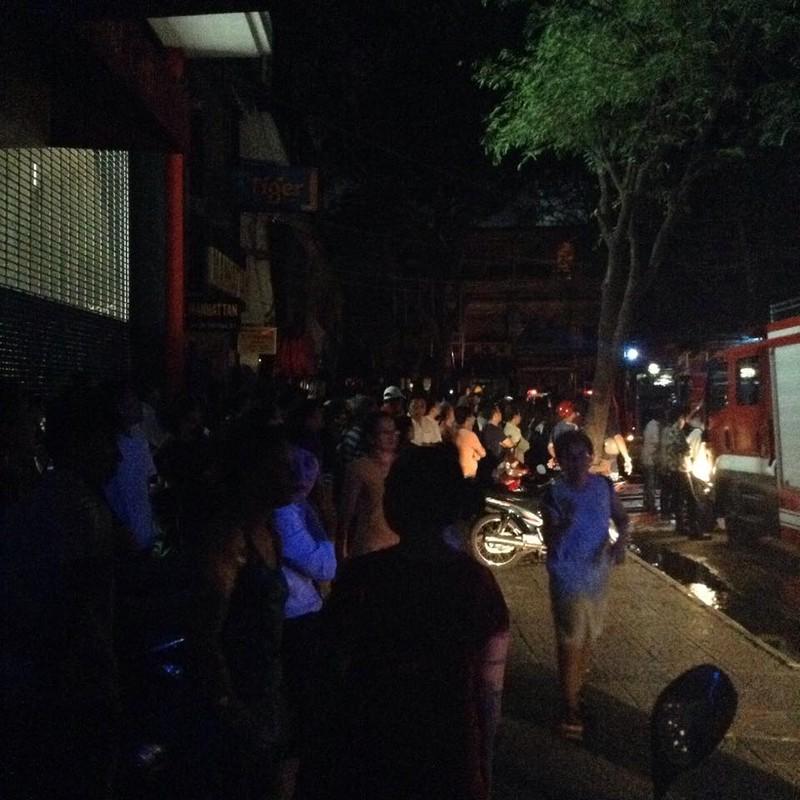 Bé gái 2 tuổi tử vong trong vụ cháy lớn ở cửa hàng điện tử quận 1 - ảnh 5