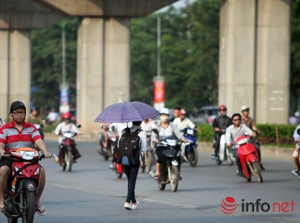 Dỡ cầu đi bộ, hàng trăm sinh viên phải băng qua đường giờ nguy hiểm - ảnh 4