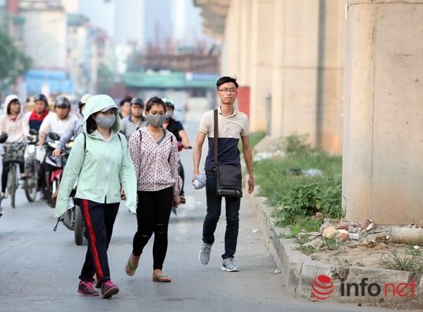 Dỡ cầu đi bộ, hàng trăm sinh viên phải băng qua đường giờ nguy hiểm - ảnh 8