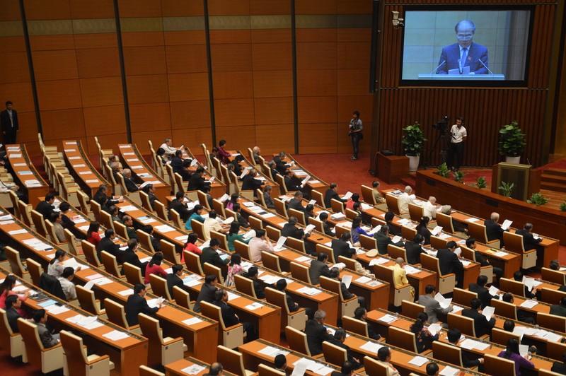 Quốc hội mặc niệm ông Nguyễn Bá Thanh  - ảnh 2