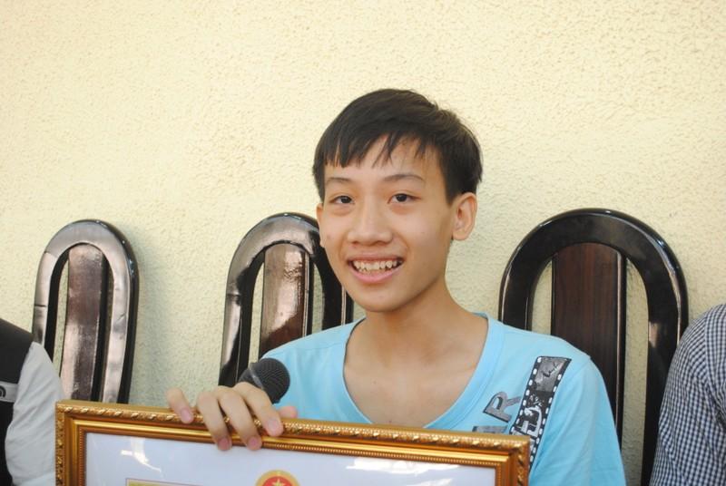Khen thưởng học sinh đạt giải Olympic tin học châu Á - ảnh 2