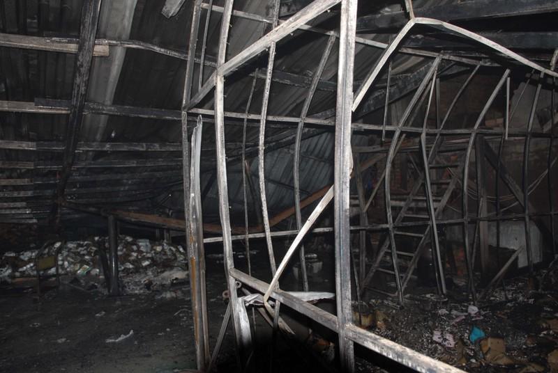 Cháy nổ ở kho chứa cồn, nhiều người bỏ chạy - ảnh 2